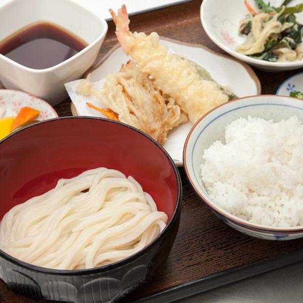 乌冬面(凉),天妇罗,米饭 (白楽天)